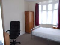 Room To Rent, Swansea , Great location for Bay Campus student, just cross the main road