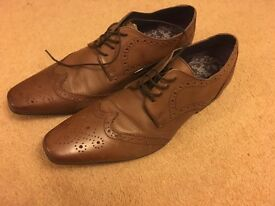 Brand new Ikon designer smart shoes in tan leather. UK Size 10.