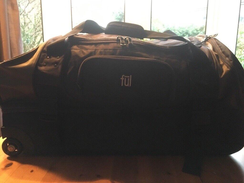983fbd57db FUL 76cm Workhorse Rolling Duffel Bag