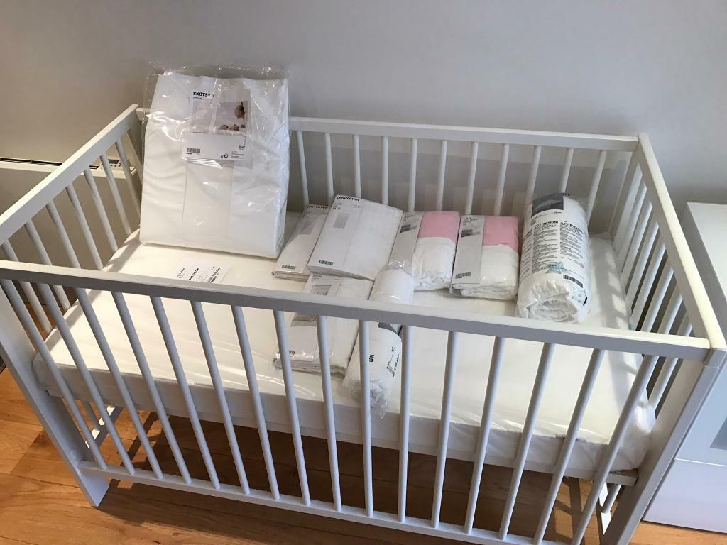 Baby bed accessories - Baby Bed Changing Table With Accessories And Bed Linen