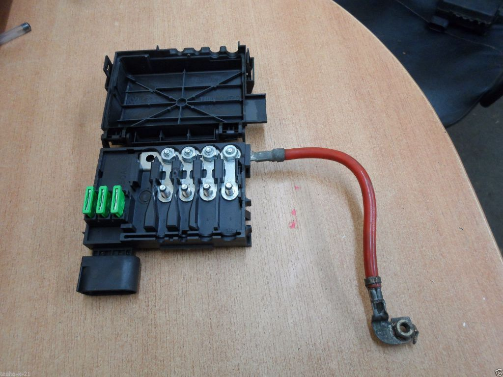 Seat Leon Battery Fuse Box : Vw golf mk bora skoda seat leon audi battery top fuse