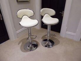 2 x Bar Stools - white, faux leather, chrome base - Excellent Condition