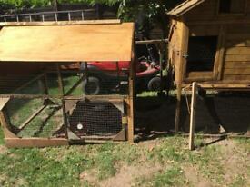 Chicken hutch and detachable run