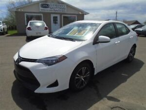 2017 Toyota Corolla LE SUNROOF SAFETY SENSE - ONLY 3 LEFT !!