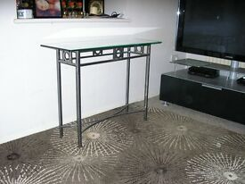 console table mint condition