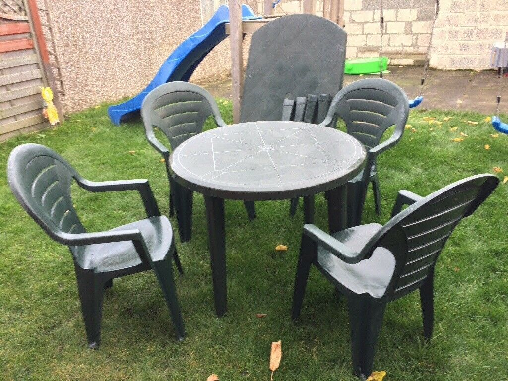 Garden Set and free table