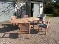 Extending Patio Table and 8 Chair Set - Never Used