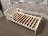Child's bed: suitable for 18 months - 4 years old