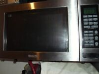Baumatic microwave with grill