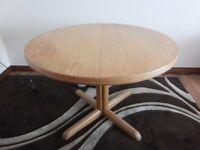 Vintage Solid Oak Extendable Table and six chair set, 1980s, Fantastic restoration piece.