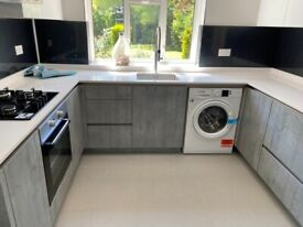 2 BEDROOM FLAT GROUND FLOOR WITH GARDEN INCLUDING ALL BILLS IN STANMORE NEAR KENANPARK STATION