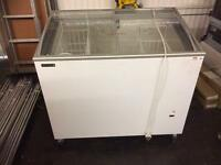 Catering retail slide top chest freezer