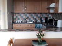 Bright and Spacious 2 Bedrooms Flat off Easter Road