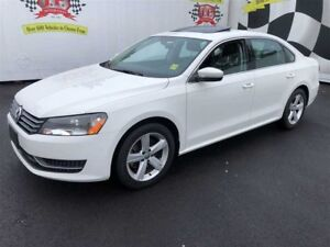 2014 Volkswagen Passat Comfortline, Auto, Leather, Sunroof, 66,0
