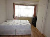 FANTASTIC DOUBLE AND SMALL DOUBLE ROOMS AVAILABLE FOR RENT ONLY 2 WEEKS DEPOSIT