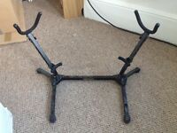 'Hercules' double saxophone stand