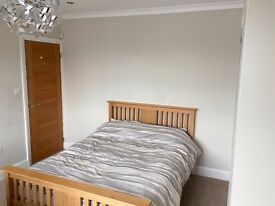 lovely double room in Staines. Single occupancy only.