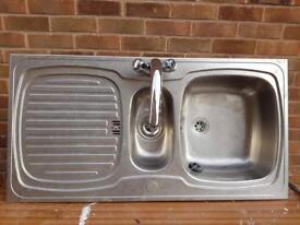 Sink, pipes & tap