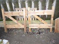 1 x pair of small driveway entrance wooden field garden gates - 4 foot high