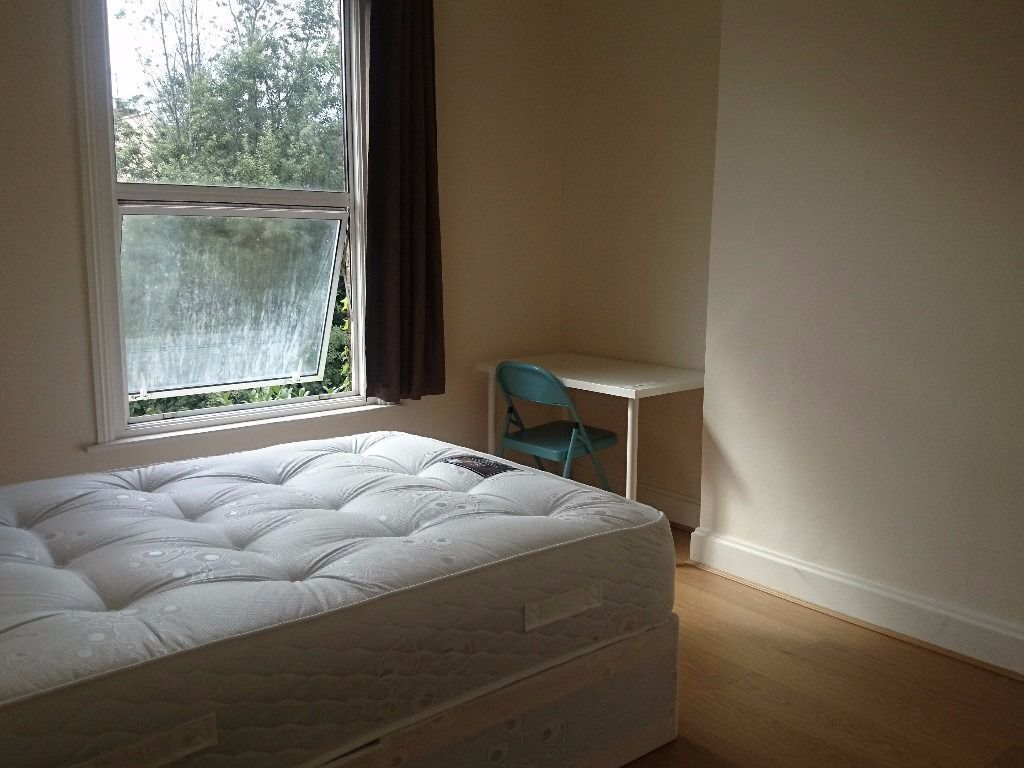 MASSIVE NEW MODERN DOUBLE ROOM IN STRATFORD/LEYTONSTONE 150 PW BILLS INC