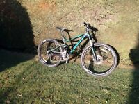 2016 Giant Stance full suspension mountain bike 27.5 wheels medium frame excellent condition
