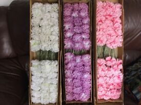Quantity of artificial carnations in 3 colours