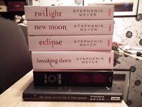 Stephanie Meyer bundle: Twilight, New Moon, Eclipse, Breaking Dawn, Bree Tanner, The Host RRP:£51.94