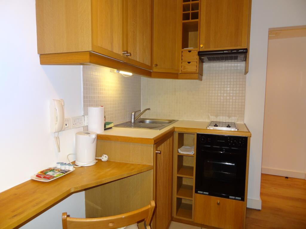 ***Bloomsbury*** – Modern Self Contained Studio