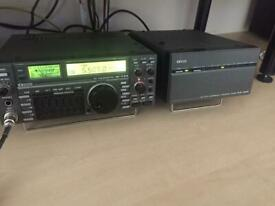 Icom IC 735 Transceiver plus Icom AT 150 fully automatic ATU
