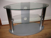 TELEVISION & ACCESSORY STAND