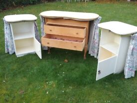 Vintage 1960s kidney shaped dressing table + 2 cabinets in white/natural wood with floral curtains