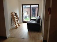 4,7,bed house,SUMMER HALF, easy access to city centre & University, close to public transport