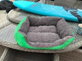 Small:medium sized dog beds
