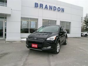 2016 Ford Escape SE - FWD Only 32200KM!