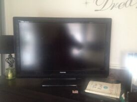 32 INCH TV FOR SALE -£150
