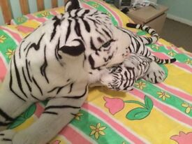 Large white tiger soft toy-excellent condition