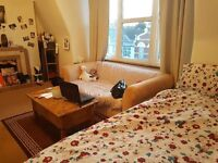 King size double bedroom to Share( male). Zone 2, underground, overground, train and 24hours bus.