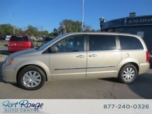 2015 Chrysler Town & Country Touring - DUAL DVD/SUNROOF/NAV/PWR