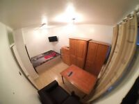 ***SPACIOUS LOVELY SINGLE ROOM-FULL FURNISHED-WIFI (ALL BILS INC )