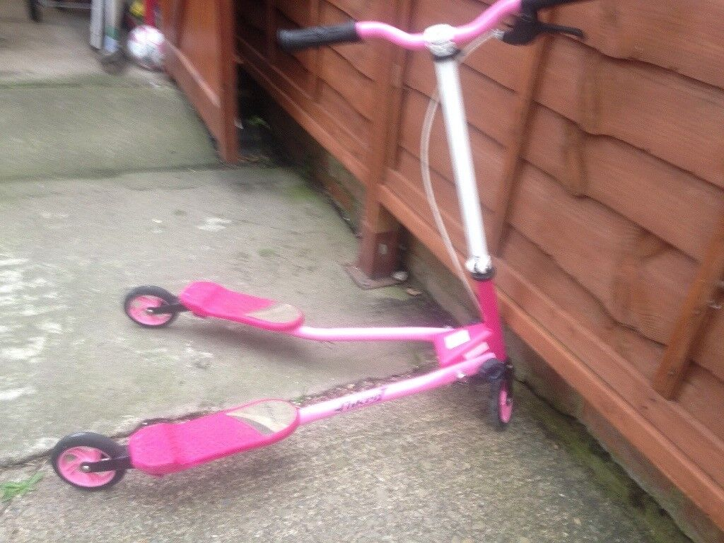 Twists girls pink scooter