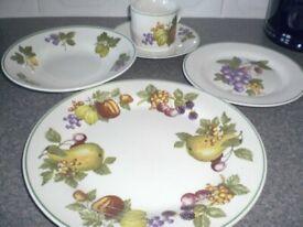 20 piece Trade Winds Table Ware Dinner set - fruit design, Brand new set