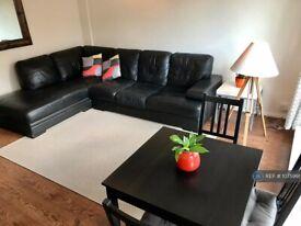 2 bedroom flat in Fleet Road, Belsize Park, NW3 (2 bed) (#1075991)