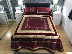 VINTAGE STYLE DOUBLE BEDSPREAD & PILLOW CASES