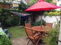 Great rent for a double room in friendly flat share in lovely house in Parsons Green, Fulham