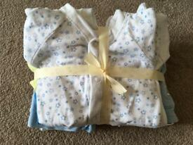 Tiny baby clothes Bundle 10 items