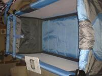 Baby cot / travel cot
