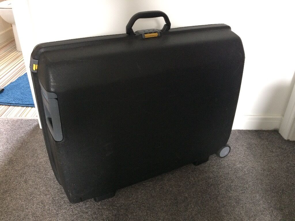 Samsonite 'Oyster' hard shell large suitcase - lockable - good ...