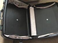 Set of two hardcase Elanza suitcases
