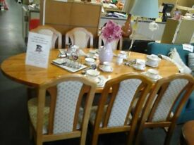Lovely EX John Lewis Extending pine table & 6 chairs
