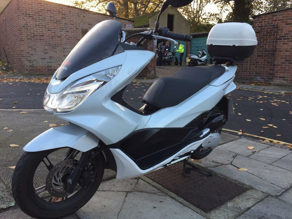 honda pcx 125 2016 low miles for sale in stockwell london gumtree. Black Bedroom Furniture Sets. Home Design Ideas